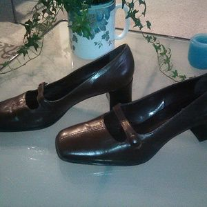 Franco Sarto leather heels, size 10